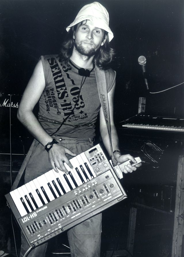 14-1985-Odyssea.jpg