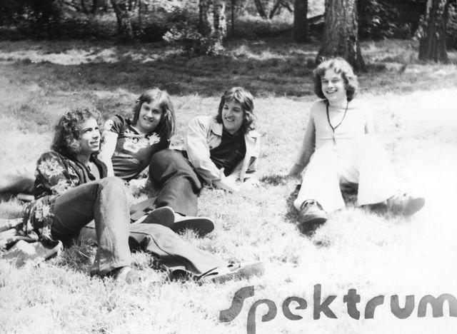phoca_thumb_l_03-1975-Spektrum.jpg