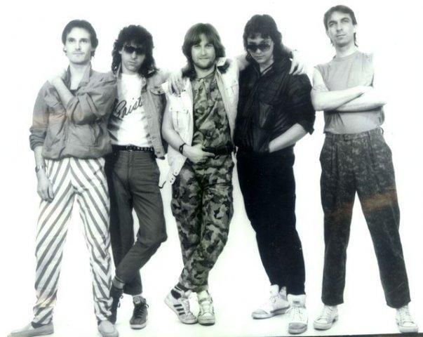 phoca_thumb_l_17-1987-Unisono.jpg