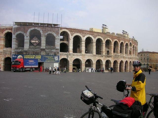phoca_thumb_l_26-2006-Italie-Verona.JPG