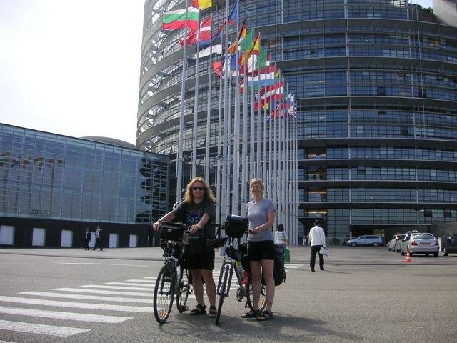 phoca_thumb_l_39-2007-Ryn-Strasburk-Evropsky-parlament.JPG