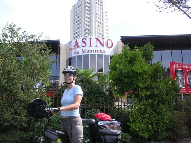 phoca_thumb_l_50-2008-Rhona-Montreux-casino.JPG