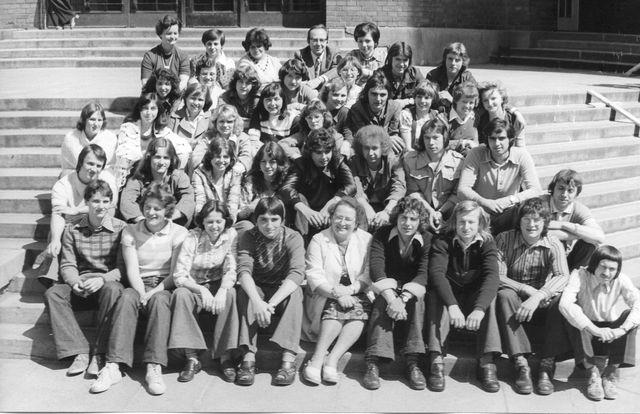 06-1977-pred-maturitou.jpg