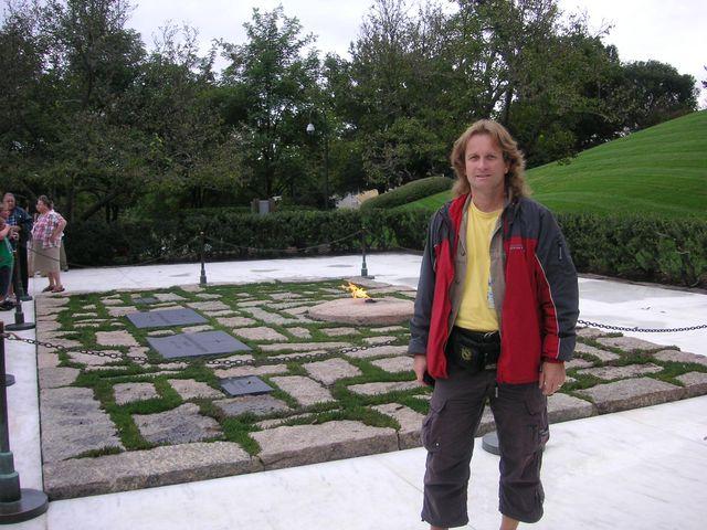 16-2005-Arlington-hrob-JFK.JPG