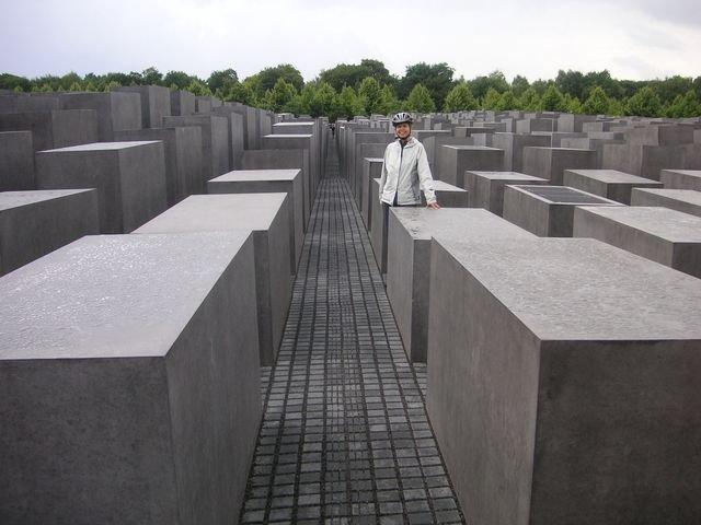 phoca_thumb_l_30-2009-Berlin-pamatnik-holokaustu.JPG